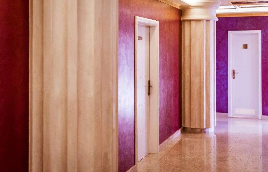80 – Corridor